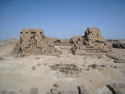 Ruïnes op Thot heuvel (Foto: Bjorn Koopmans)
